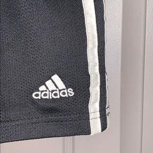 Adidas shorts🖤